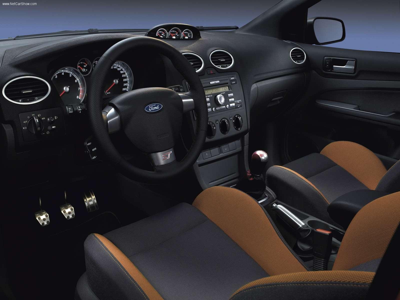 ford focus st 3 door hatchback 2007