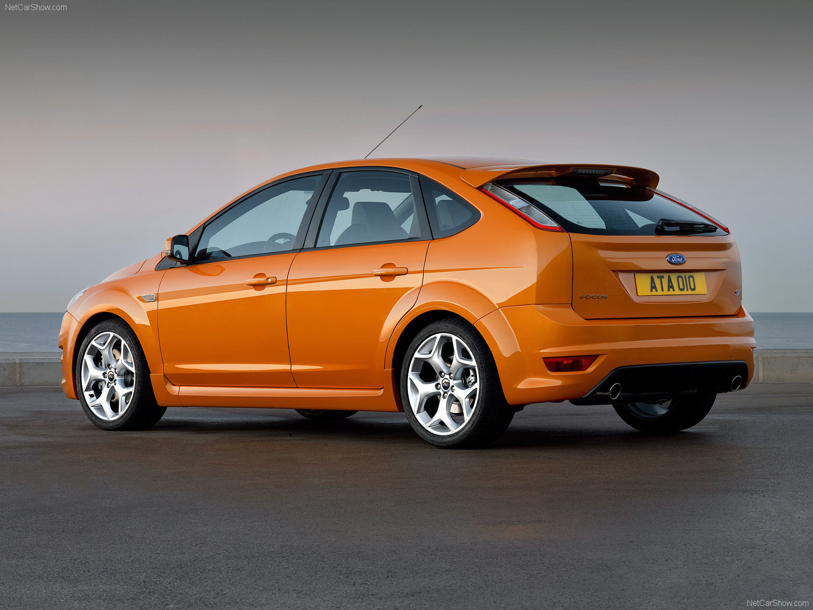 Ford Focus 5 Door Hatchback 2008