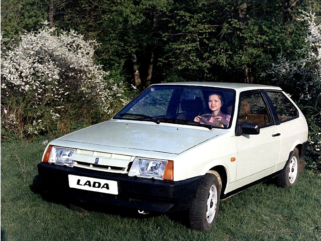 ... Lada 2108 3 Door Hatchback 2004