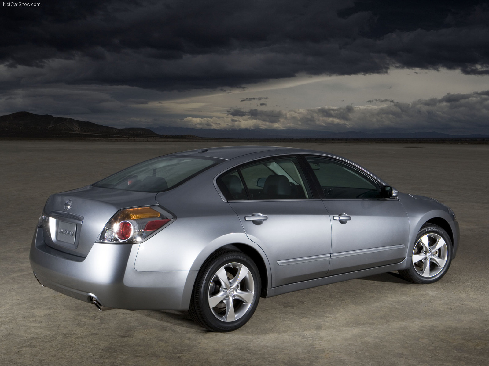 My Perfect Nissan Altima  3dtuning