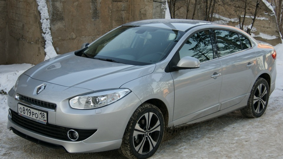 Renault Fluence sedan 2010
